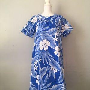 Vintage Malihini Hawaii Floral Hawaiian Dress